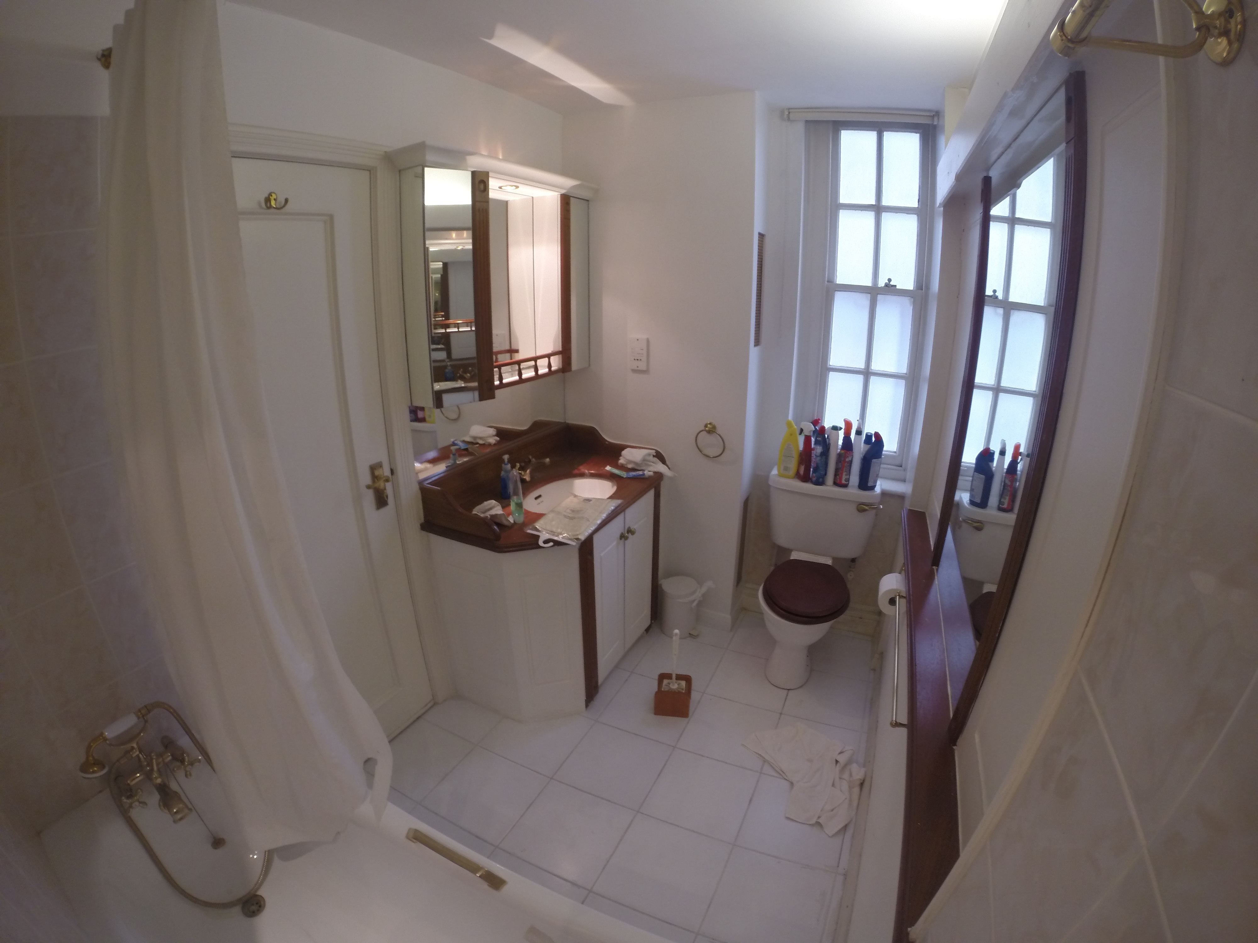 Wet room at High Street Kensington (Before)
