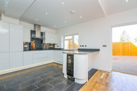 Open plan kitchen installation