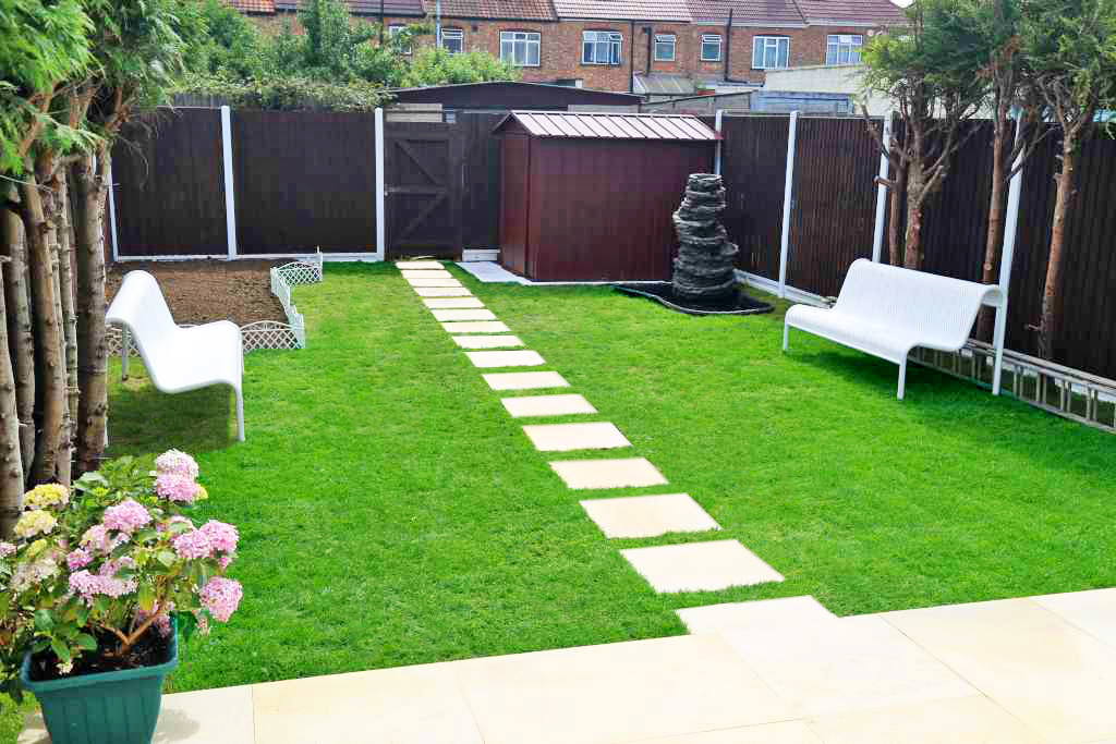 Rear garden renovation in hendon construction bear for Garden renovation ideas